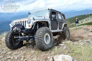 1024 - ve - flinging rock jeep DSC_5580
